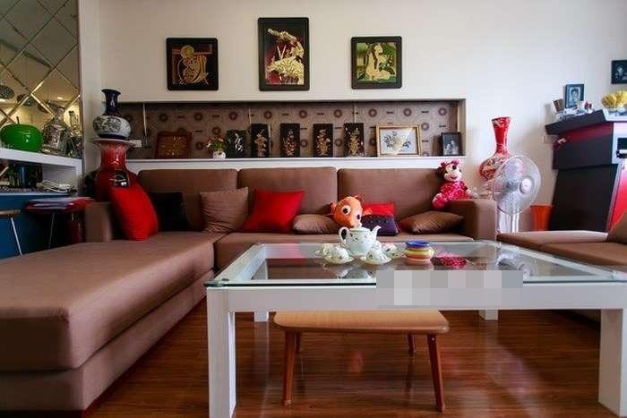 Đa phần đồ đạc trong nhà đều do chính tay nàng Hoa hậu này trang trí.