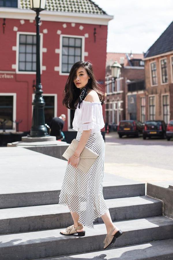 Chân váy midi cách điệu + áo trễ vai: set đồ như sinh ra để dành cho các nàng bánh bèo