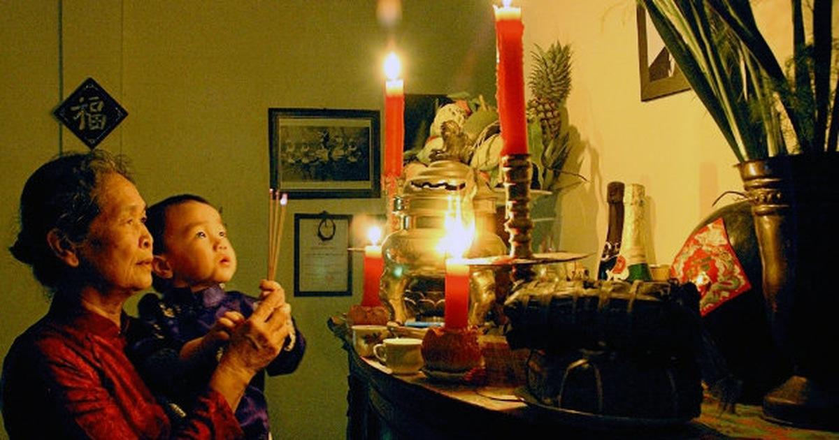Sau lễ rước ông bà, để các cụ luôn ở trong nhà cùng con cháu thì gia chủ không nên để hương tắt