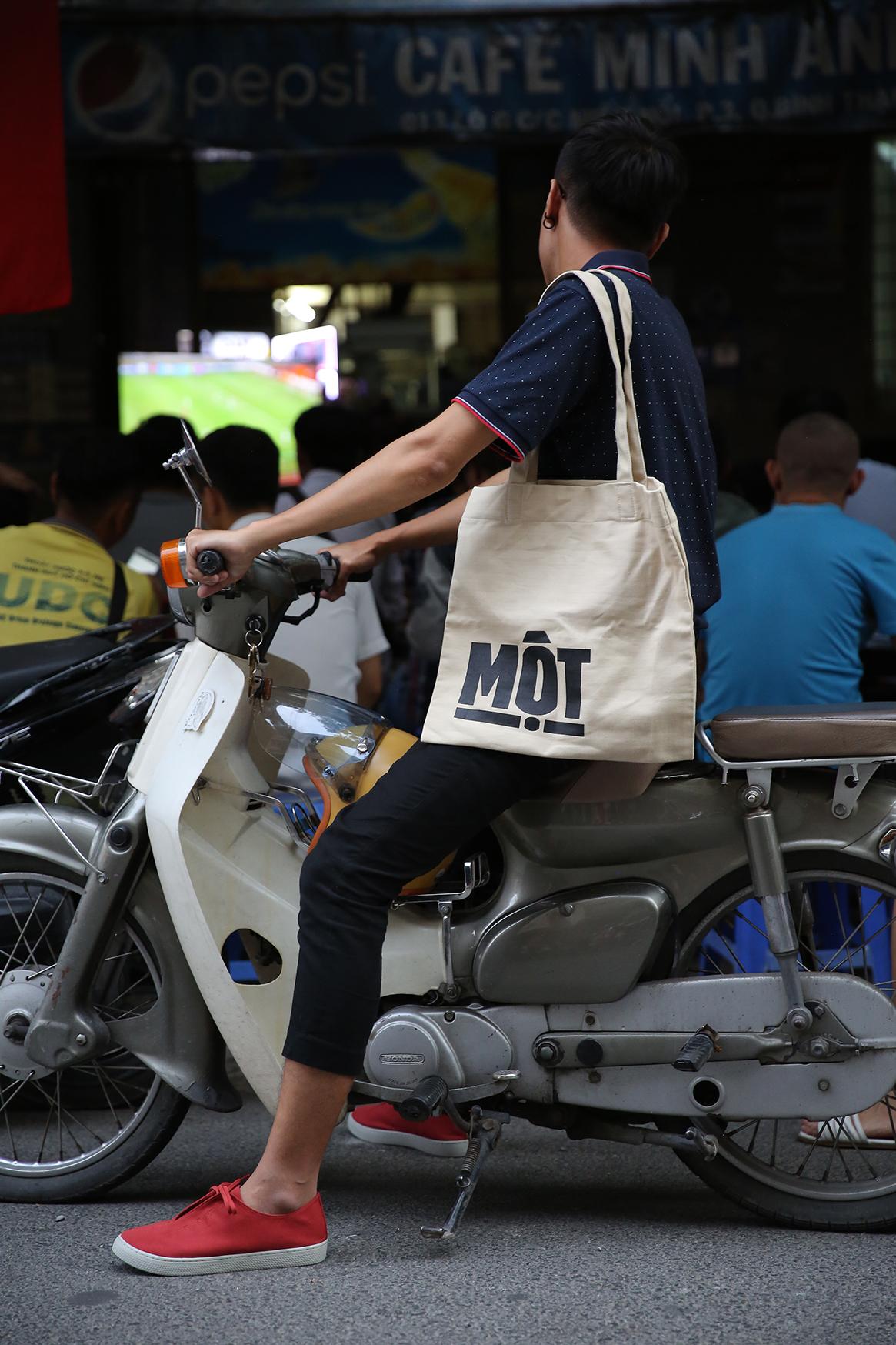 Chuyện về 3 người ở giày 'thuần Việt' - Ảnh 4