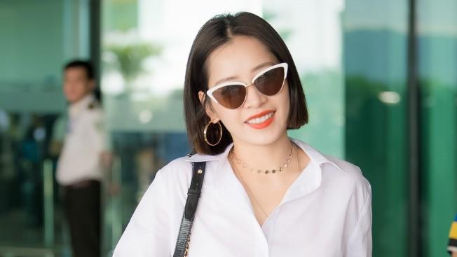 Tông son này không chỉ giúp đôi môi của Chi Pu thêm căng mọng, thu hút mà còn tạo cho cô nàng này một vẻ ngoài trẻ trung, cá tính và năng động hơn