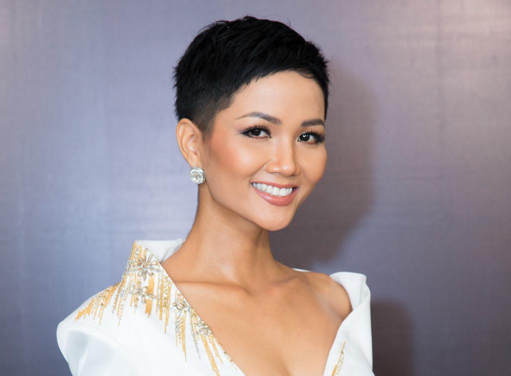 H'hen Nie là cô Hoa Hậu duy nhất trong showbiz Việt sở hữu mái tóc tém
