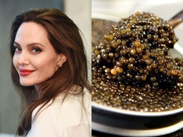 Trong tủ đồ làm đẹp củaAngelina Jolie luôn có một loại kem chiết xuất từ trứng cá muối