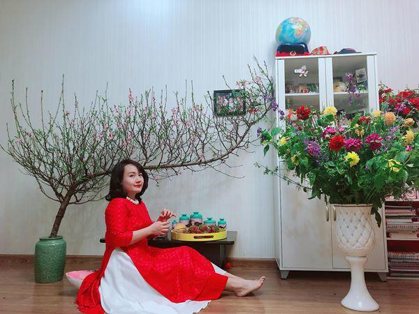 Chị Nha Trang bắt đầu chơi hoa Tết từ trước đó cả 1 tháng.