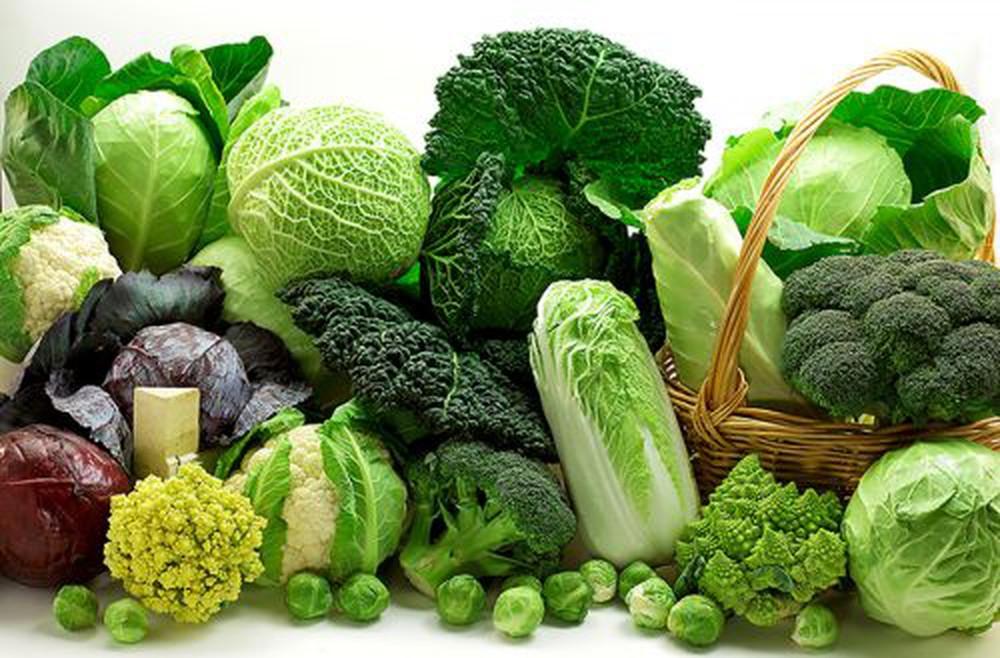 Rau xanh nhiều lá được nhiều người tin rằng nếu bạn ăn càng nhiều thì bạn sẽ càng giàu có và khỏe mạnh hơn trong năm mới