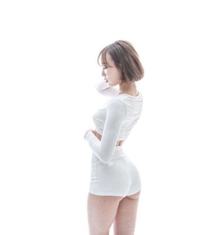 Quần tập mỏng tang tôn trọn đường cong gợi cảm của các cô gái Hàn - Ảnh 2
