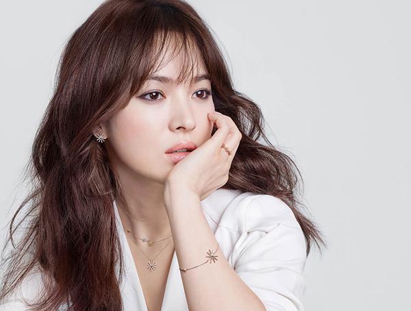 Vì sao các nhãn mỹ phẩm luôn chọn Song Hye Kyo và 2 mỹ nhân này làm đại diện? - Ảnh 2