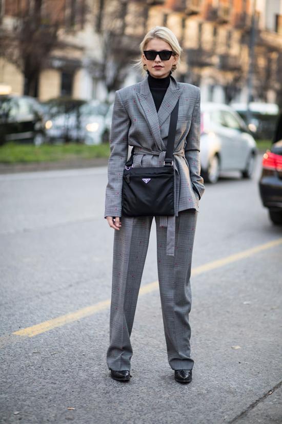 Ngoài cách mix blazer cùng các kiểu quần hợp mốt, diện suit cũng là một trong những xu hướng lên ngôi ở mùa thu 2018.