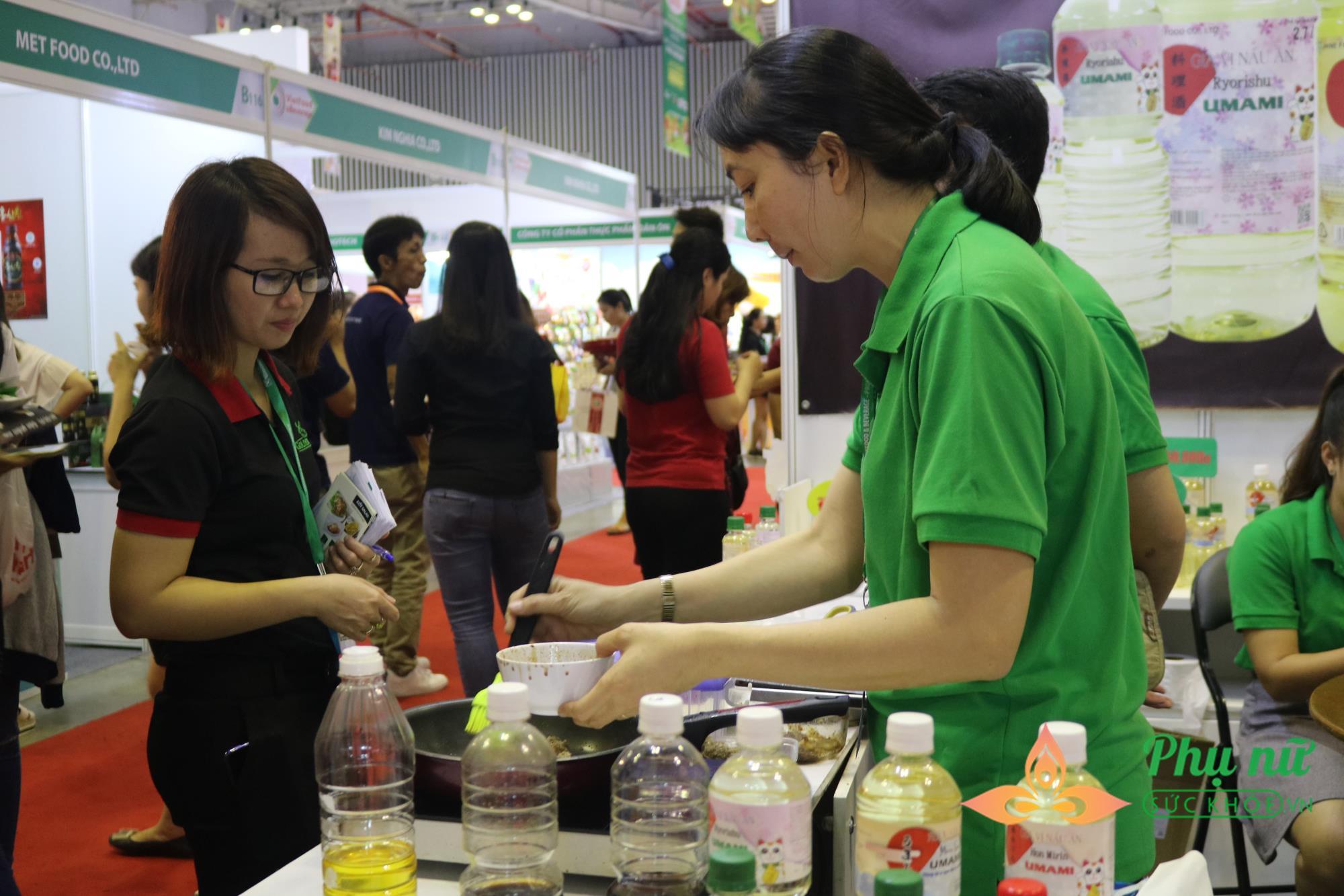 Đa dạng hóa việc lựa chọn các mặt hàng thực phẩm và thức uống của người dân trong thời công nghệ 4.0 - Ảnh 3