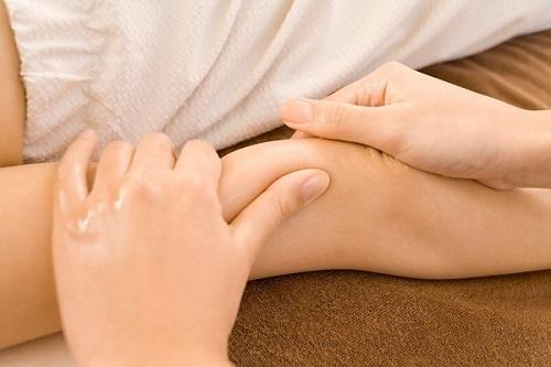 8 tuyệt chiêu giúp sản phụ giảm đau nhanh chóng sau khi sinh mổ - Ảnh 1
