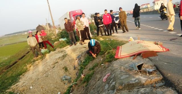 Quảng Bình: Thuê xe về quê dịp Tết, xế hộp nát bét 2 người chết - Ảnh 2