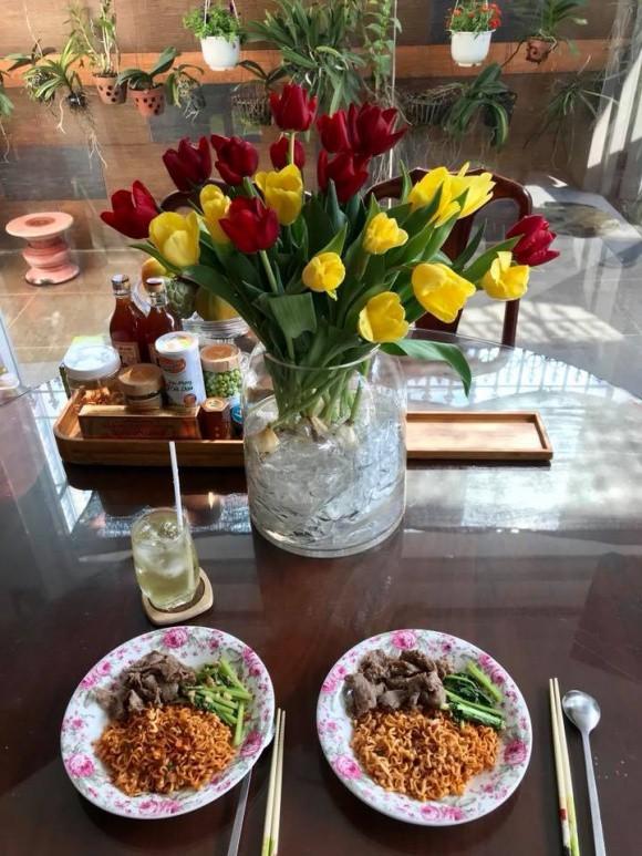 Sao Việt người khoe quà khủng, người hạnh phúc hé lộ người yêu bí mật trong ngày Valentine - Ảnh 13