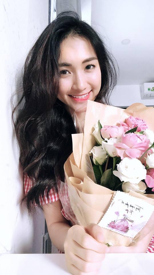 Sao Việt người khoe quà khủng, người hạnh phúc hé lộ người yêu bí mật trong ngày Valentine - Ảnh 6