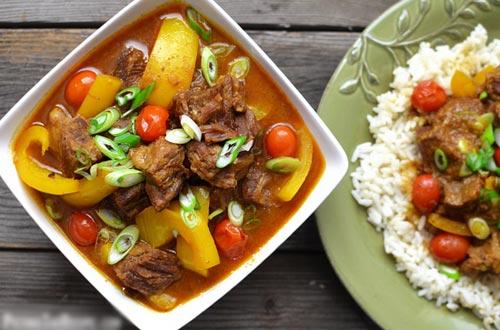 Thịt bò hầm nước cốt dừa - Ảnh 3