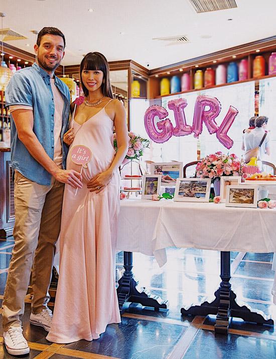 Vợ chồng Hà Anh tổ chức tiệc mừng con gái sắp chào đời - Ảnh 1