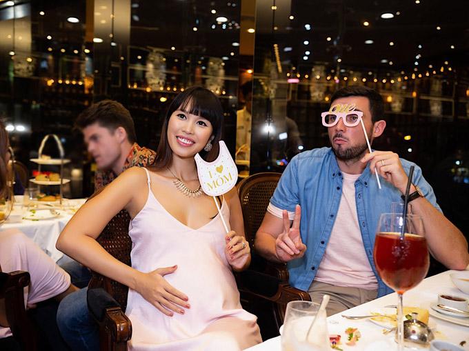 Vợ chồng Hà Anh tổ chức tiệc mừng con gái sắp chào đời - Ảnh 5
