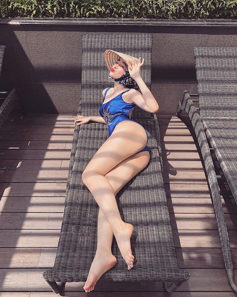 Angela Phương Trinh mặc bikini hay váy mùa hè đều nổi bật rực rỡ - Ảnh 3