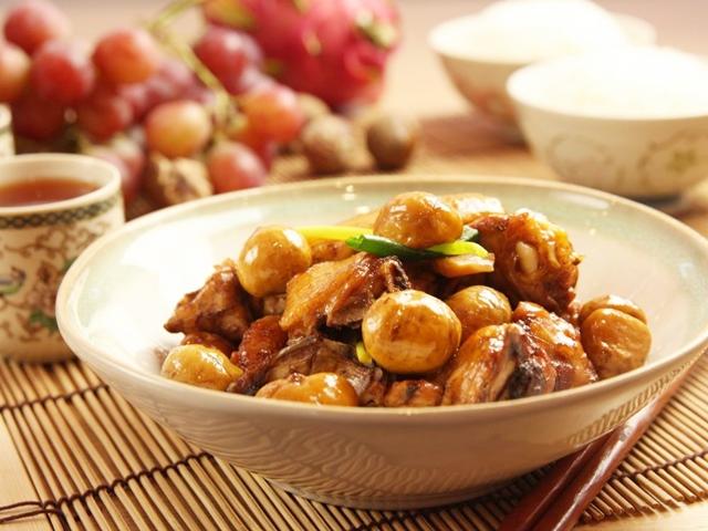 Thịt gà kho hạt dẻ, măng tre lạ miệng - Ảnh 3