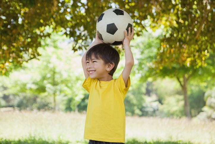 Những lầm tưởng của bố mẹ làm ảnh hưởng đến sức khỏe, sự phát triển của con - Ảnh 1