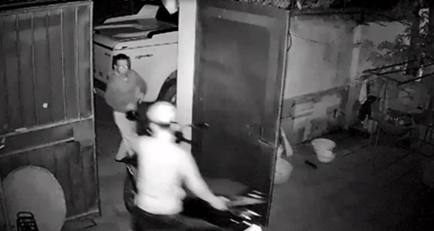 Clip: Trộm phá cổng, đột nhập vào nhà
