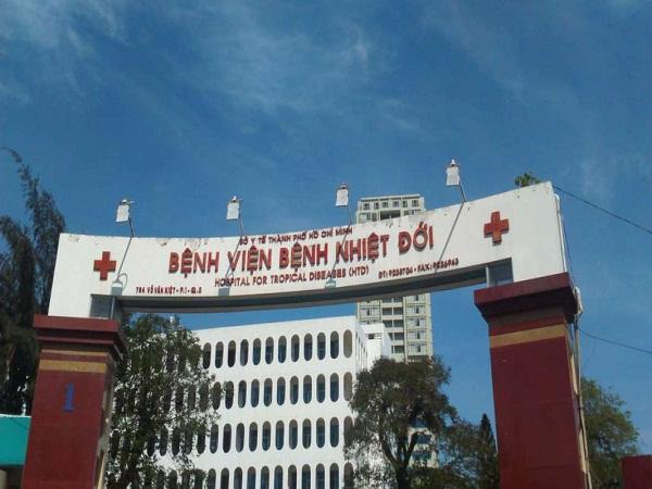 Thai phụ nhiễm cúm A/H1N1, bác sĩ mổ cấp cứu bắt con nhưng không cứu được mẹ - Ảnh 1