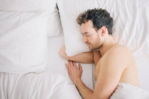 Bắt bài 5 thói quen làm giảm chất lượng tinh trùng các anh chồng hay mắc phải - Ảnh 2