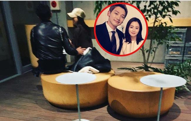 Vợ chồng Bi Rain - Kim Tae Hee trốn con cùng nhau tới Nhật Bản hẹn hò đón năm mới - Ảnh 1