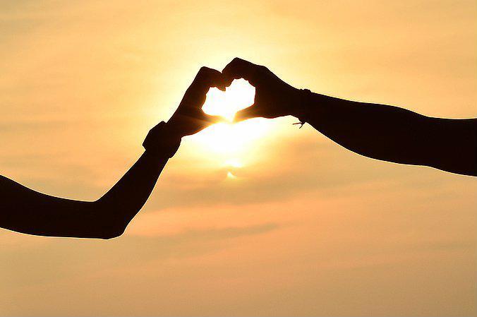 Khi ta yêu mà làm khổ nhau thì không phải là tình yêu đích thực - Ảnh 1