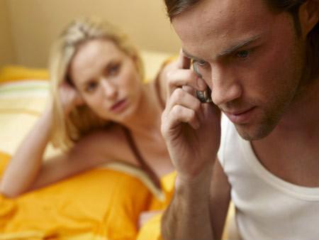 Khiêu khích mãi chồng không ghen hóa ra vì câu nói này - Ảnh 1