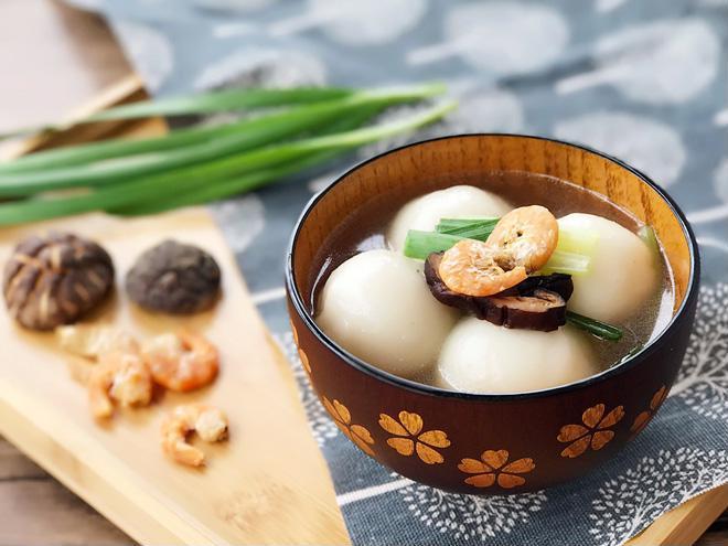 Làm bánh trôi mặn: Món mới ngon lạ cho bữa sáng - Ảnh 3