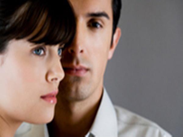Muốn ở cạnh tình cũ khi cô ấy không hạnh phúc bên chồng - Ảnh 1