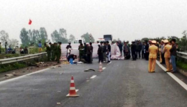 Tạm giữ khẩn cấp lái xe container đâm chết 2 người rồi bỏ trốn - Ảnh 1