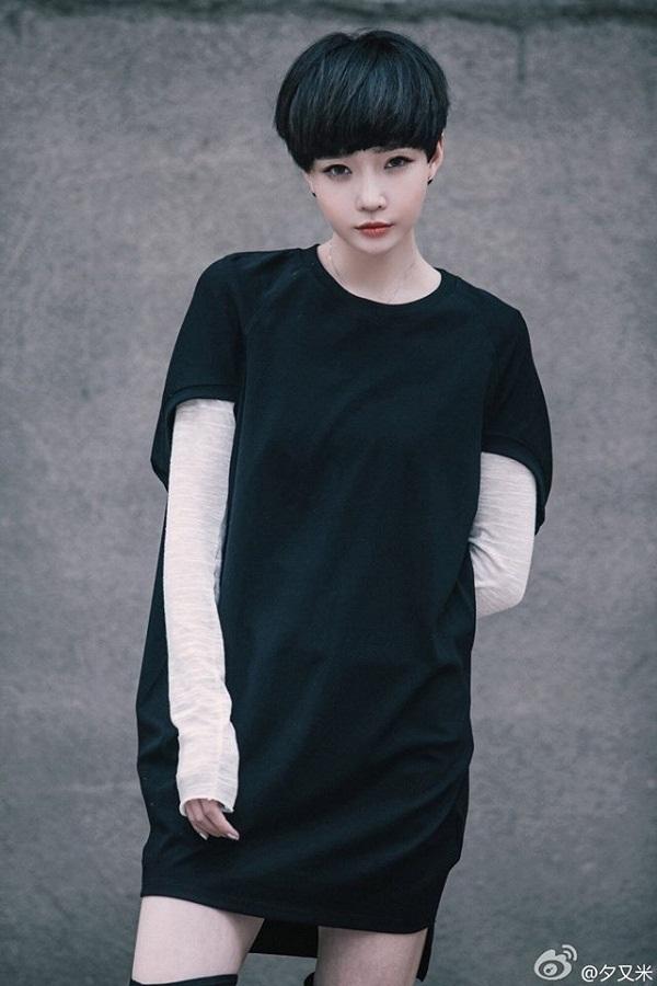 Màu tóc đen truyền thống sẽ cực kỳ sành điệu nhờ 6 cách tạo kiểu này - Ảnh 12