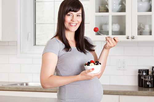 11 lợi ích BẤT NGỜ của sữa chua với bà bầu - Ảnh 3