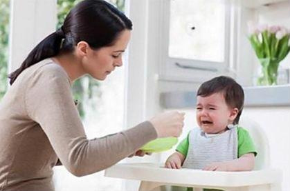 10 sai lầm khi cho trẻ ăn dặm càng khiến con còi cọc, suy dinh dưỡng - Ảnh 1
