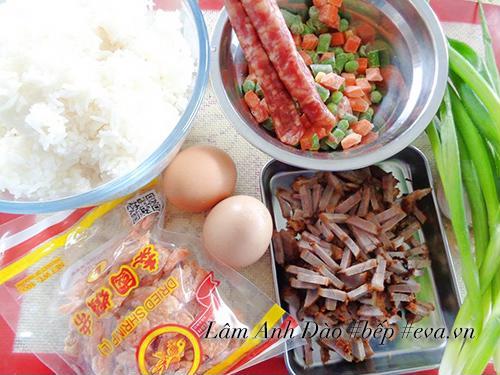 Cơm chiên kiểu Dương Châu tuyệt ngon cho bữa sáng - Ảnh 1