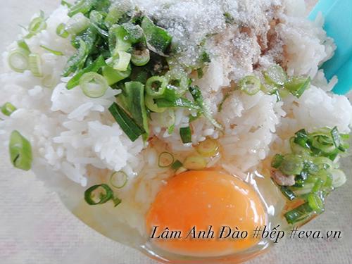 Cơm chiên kiểu Dương Châu tuyệt ngon cho bữa sáng - Ảnh 2