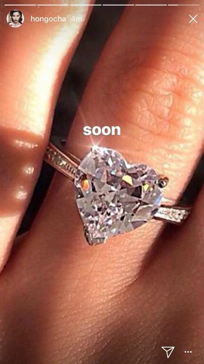 Hồ Ngọc Hà khoe nhẫn kim cương trái tim cỡ đại kèm chữ 'Soon', phải chăng ám chỉ một đám cưới? - Ảnh 1