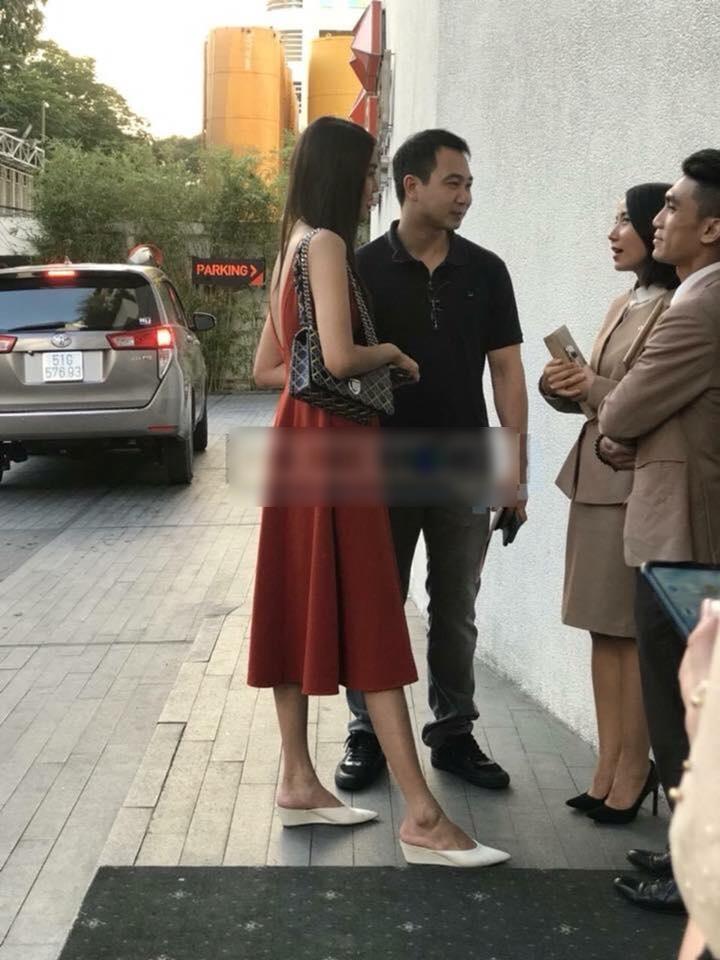 Lộ ảnh Lan Khuê và vị hôn phu đi chọn trung tâm tiệc cưới để kết hôn? - Ảnh 2