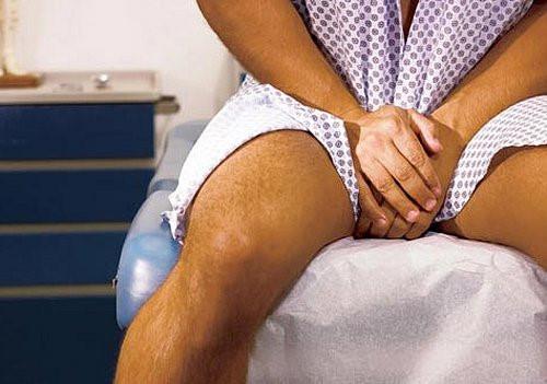 Những bệnh lý tinh hoàn, chủ quan có thể phải cắt bỏ - Ảnh 1