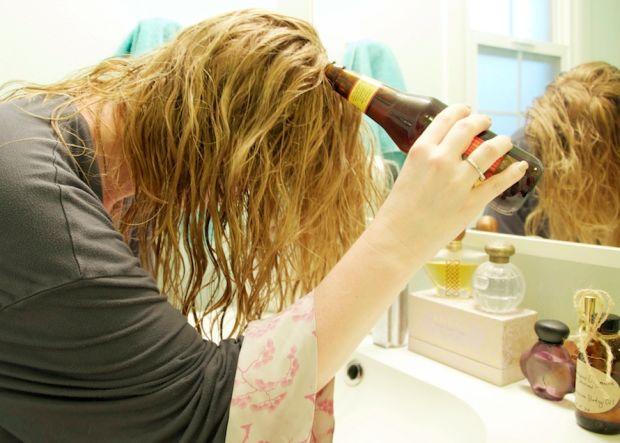 Tóc hết khô, gãy rụng chỉ với 1 lon bia - Ảnh 1