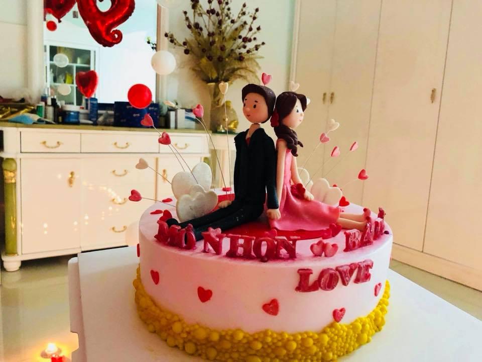 Vừa sinh con, Khánh Thi đã 'trốn' viện về làm sinh nhật cho Phan Hiển - Ảnh 4
