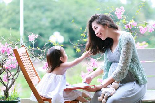 Người thân là liều thuốc tinh thần giúp mẹ bầu hết buồn bực