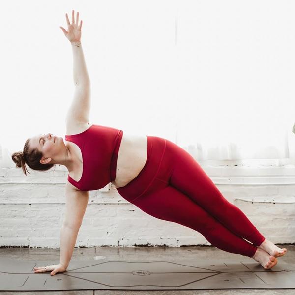 'Dành cả thanh xuân để giảm cân', cô nàng ngoại cỡ thay đổi cuộc sống nhờ yoga - Ảnh 3