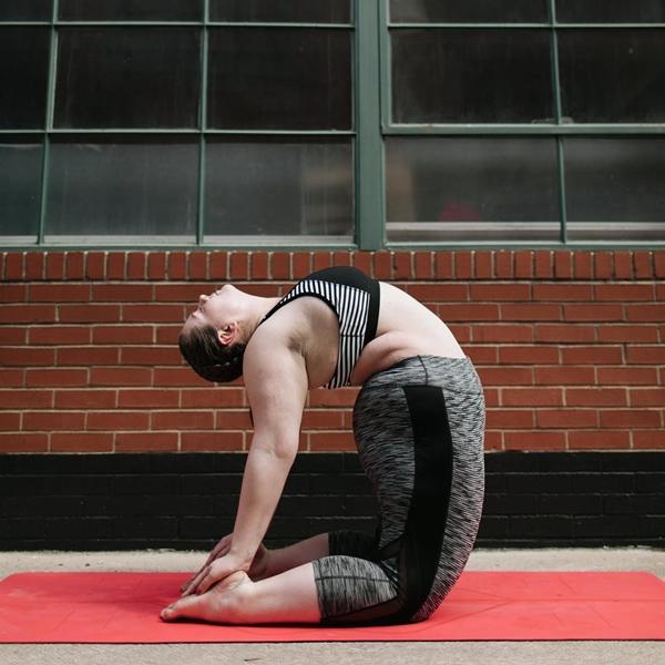 'Dành cả thanh xuân để giảm cân', cô nàng ngoại cỡ thay đổi cuộc sống nhờ yoga - Ảnh 6