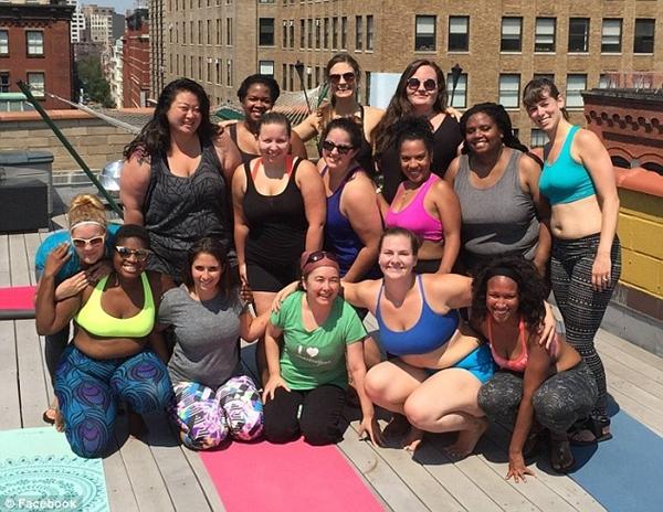 'Dành cả thanh xuân để giảm cân', cô nàng ngoại cỡ thay đổi cuộc sống nhờ yoga - Ảnh 9