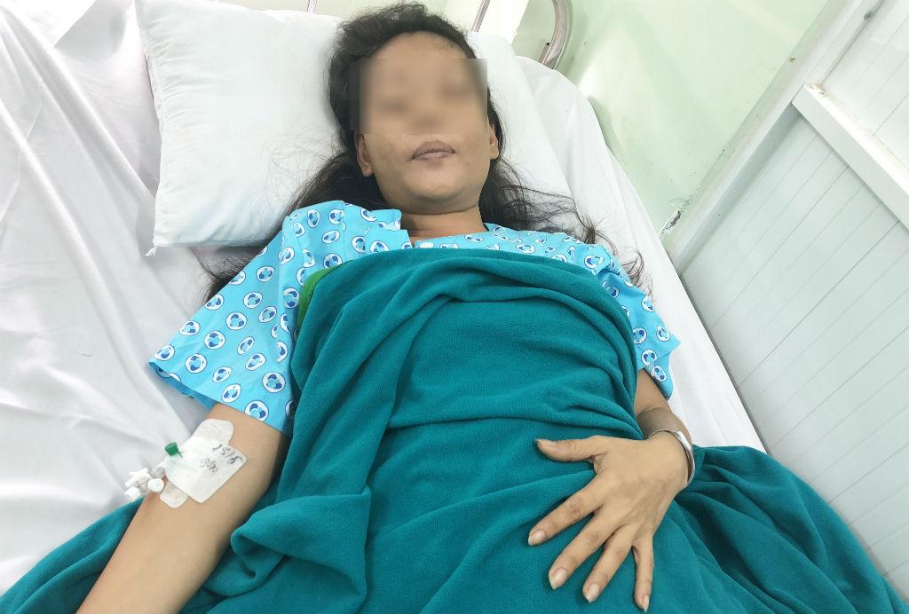 Suýt tử vong người phụ nữ mới biết mang thai 5 tháng - Ảnh 1