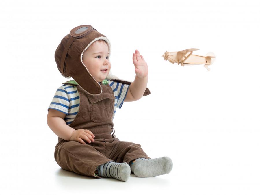 Trẻ em 6 tháng tuổi có nên đi máy bay không? - Ảnh 1