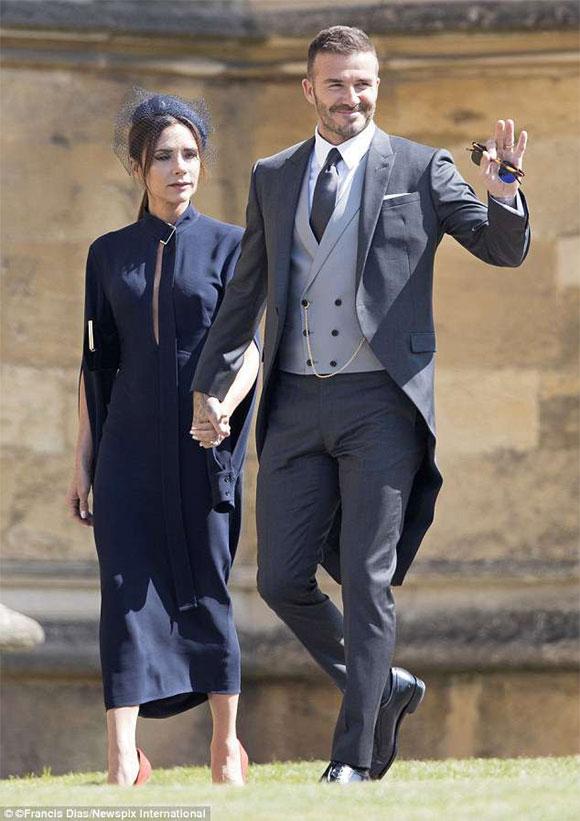 Victoria cau có suốt hôn lễ Hoàng tử Harry vì David Beckham tiệc tùng, đãi rượu người đẹp khác? - Ảnh 1