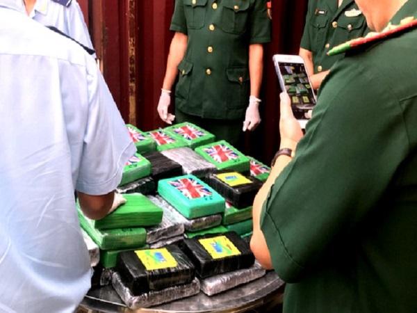 100 bánh cocain trong container phế liệu ở Bà Rịa - Vũng Tàu - Ảnh 1